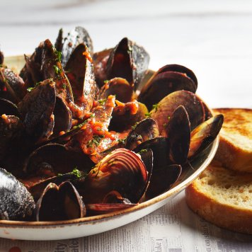 Chilli Mussels (per serve 500g)